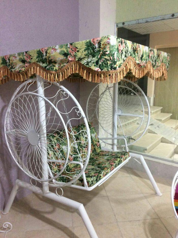 باغی تاب ویلایی تاب آهنی حیاطی 14 700x933 - تاب باغی مدل گلبرگ یا ماهواره کد2