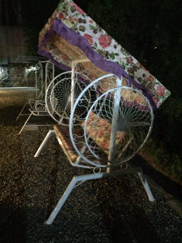 باغی تاب ویلایی تاب آهنی حیاطی 16 600x800 - تاب باغی مدل گلبرگ یا ماهواره کد2