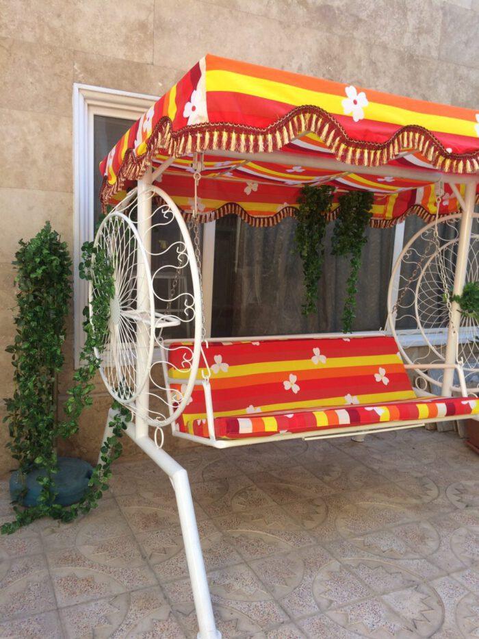 باغی تاب ویلایی تاب آهنی حیاطی 17 700x933 - تاب باغی مدل گلبرگ یا ماهواره کد2