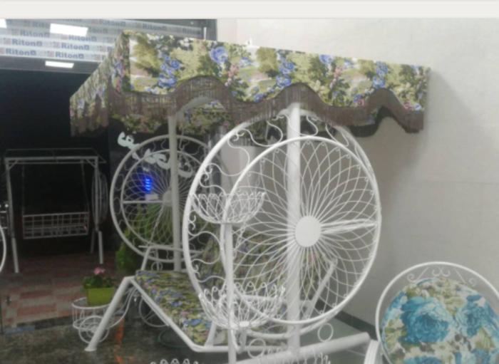 باغی تاب ویلایی تاب آهنی حیاطی 2 700x511 - تاب باغی مدل گلبرگ یا ماهواره کد2