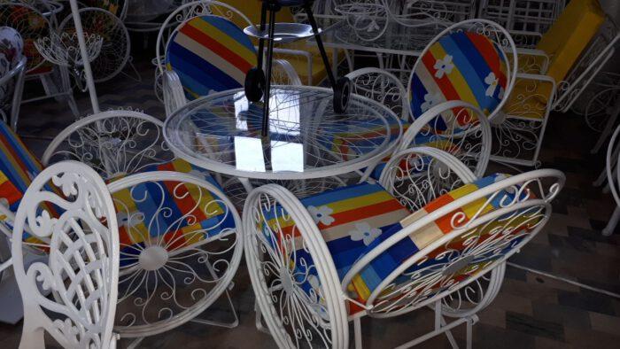 باغی صندلی ویلایی میز حیاطی 10 700x394 - مبلمان باغی ویلایی مدل کالسکه فرفورژه کد3