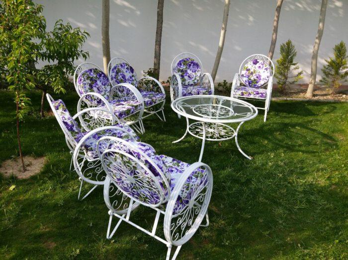 باغی صندلی ویلایی میز حیاطی 2 700x524 - مبلمان باغی ویلایی مدل کالسکه فرفورژه کد3