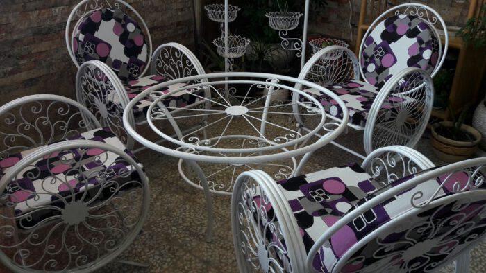 باغی صندلی ویلایی میز حیاطی 21 700x394 - مبلمان باغی ویلایی مدل کالسکه فرفورژه کد3