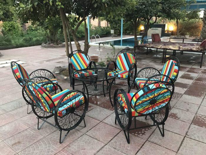 باغی صندلی ویلایی میز حیاطی 4 700x525 - مبلمان باغی ویلایی مدل کالسکه فرفورژه کد3