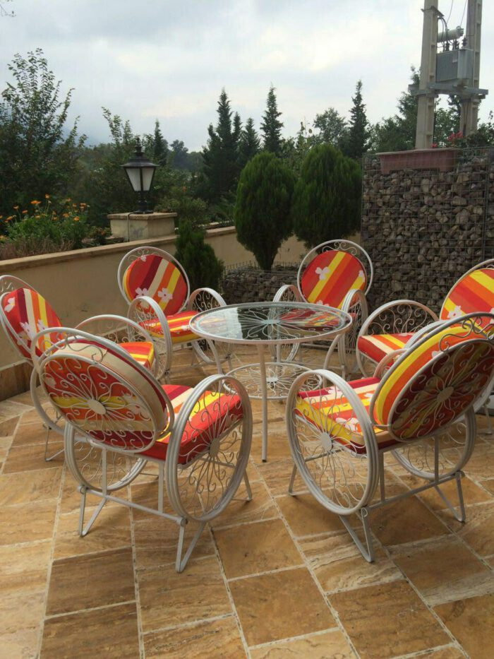باغی صندلی ویلایی میز حیاطی 8 700x933 - مبلمان باغی ویلایی مدل کالسکه فرفورژه کد3