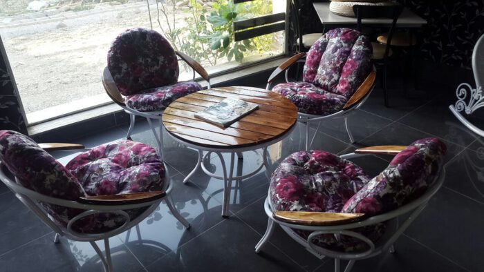 باغی مبلمان ویلایی مبلمان فضای باز حیاطی 2 700x394 - مبلمان باغی فلزی مدل ارغوان کد8