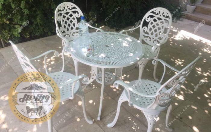 میز باغی تاج