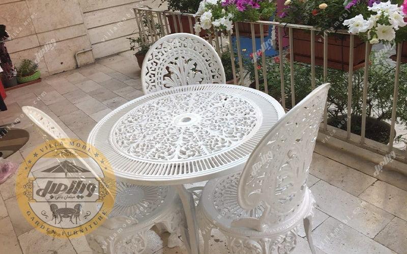 میز و صندلی طاووسی یا چکاوک