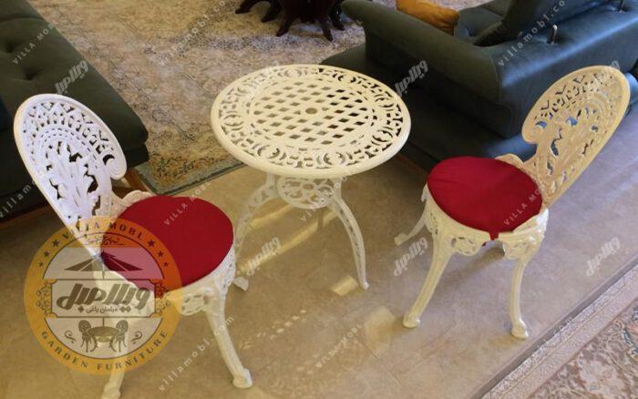 صندلی طاووسی یا چکاوک آلومینیومی