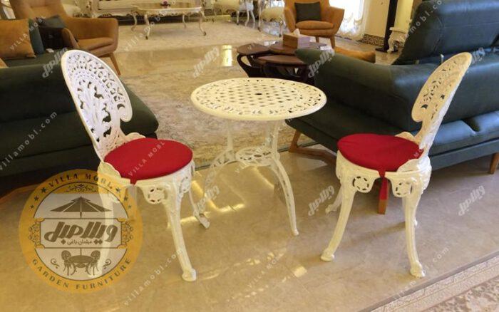 صندلی طاووسی یا چکاوک