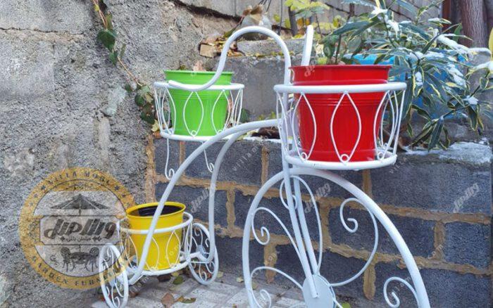 Bicycle Vase 01 Min