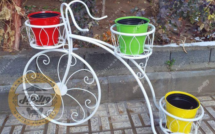Bicycle Vase 03 Min