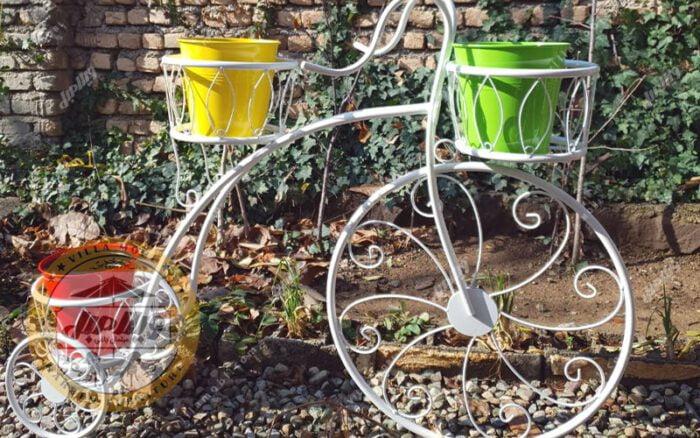 Bicycle Vase 05 Min