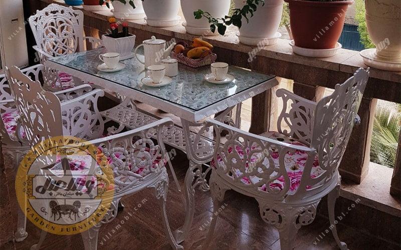 میز باغی مرغابی
