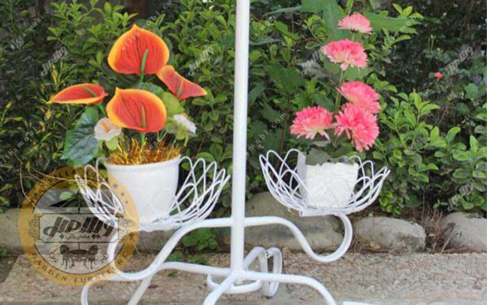 استند فلزی گلدان 3شاخهای فرفورژه